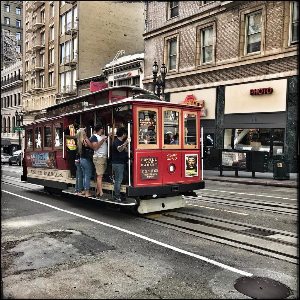 In San Franciscoso the obligatory cable car